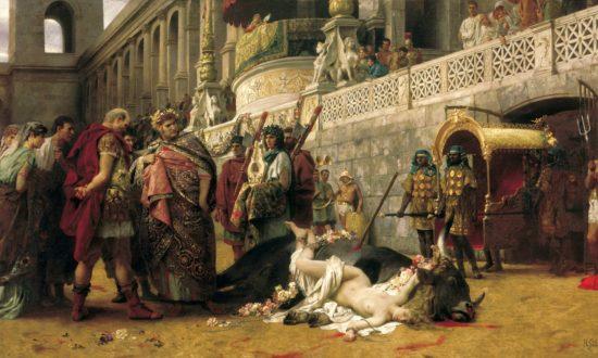 Diocletian điên cuồng bức hại môn đồ Cơ Đốc giáo, phá hủy giáo đường Cơ Đốc, đốt cháy Kinh Thánh của họ, tịch thu tài sản, thanh trừng các tín đồ Cơ Đốc