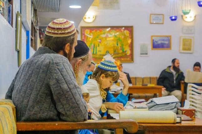 Người Do Thái: Đọc sách để tẩy rửa tâm linh