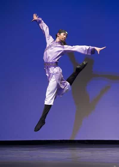Nguồn gốc Đông phương của các động tác khó trong múa ba lê hiện đại và thể dục dụng cụ