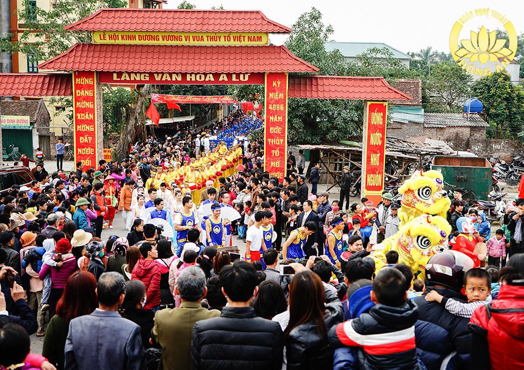 Kết quả hình ảnh cho Đoàn Nghệ Thuật Hồng Ân Hà Nội diễn hành tại Lễ hội Kinh Dương Vương, Bắc Ninh năm 2017