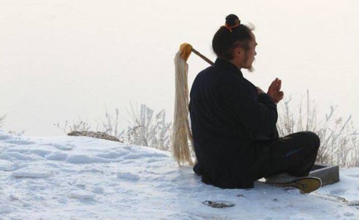 Có người nói tổ tiên mấy đời của họ đều nhìn thấy Vương Mân, mà diện mạo của ông không có thay đổi gì.